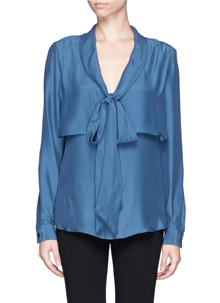 半身头像女生蓝色衬衫