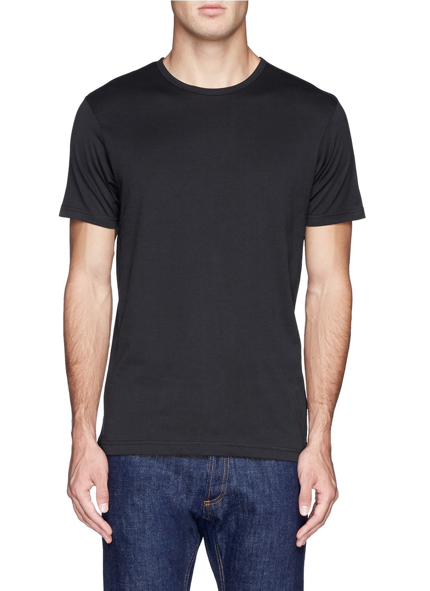 黑色半袖t恤搭配