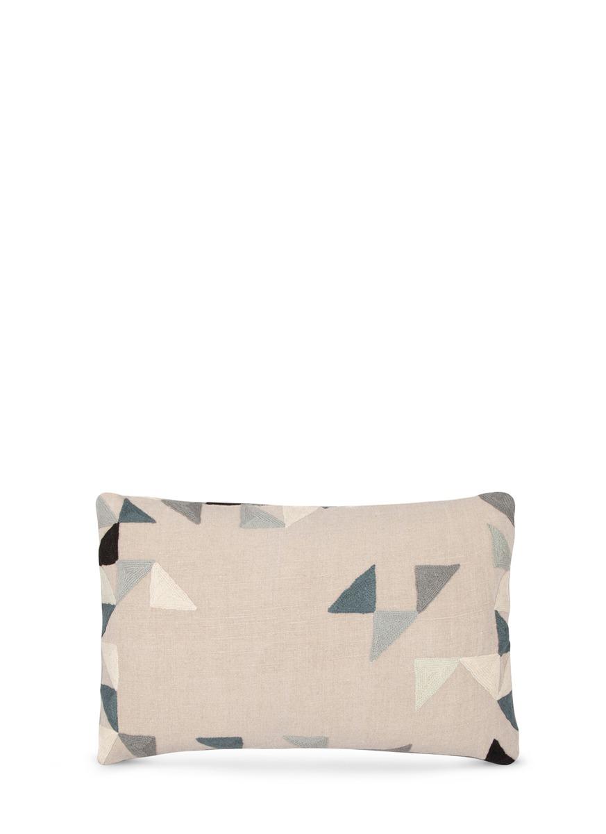 harlequin彩色三角图案刺绣靠垫