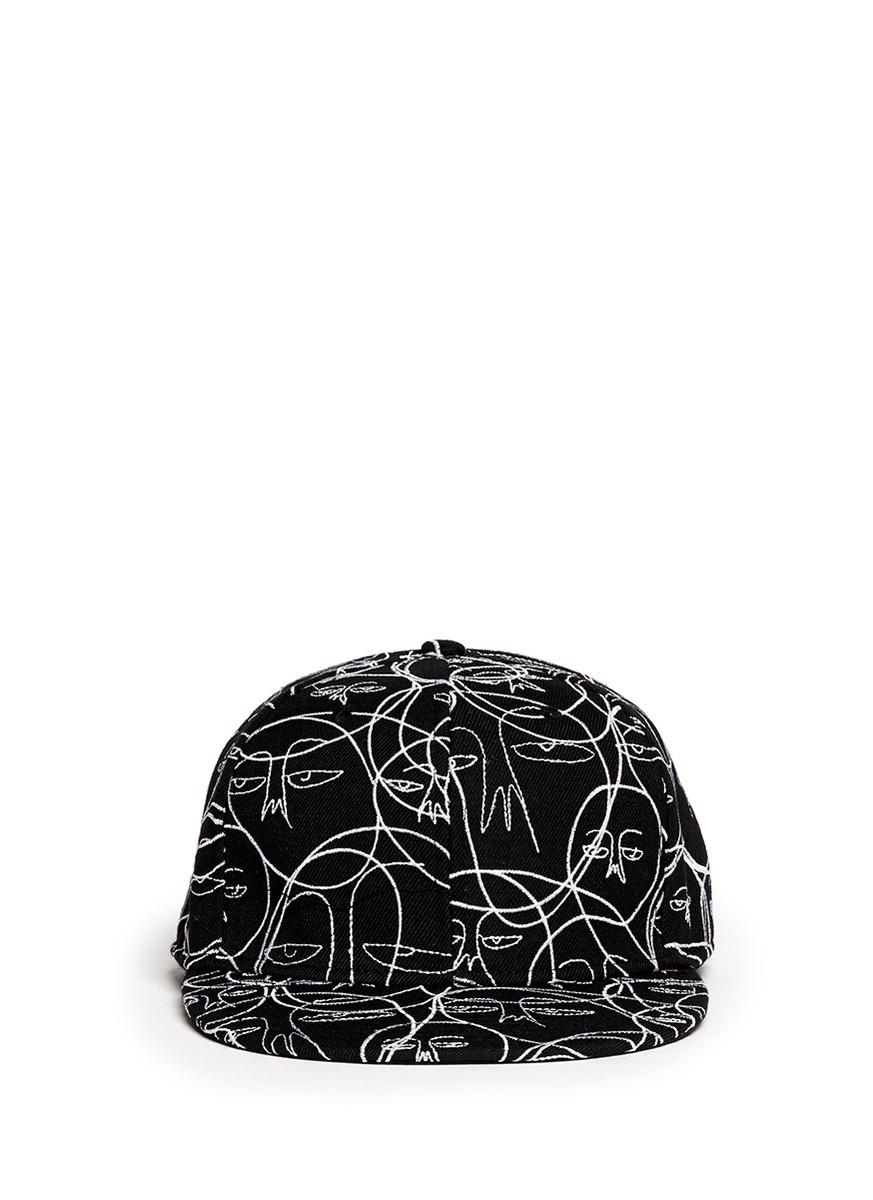 手绘抽象人脸刺绣鸭舌帽