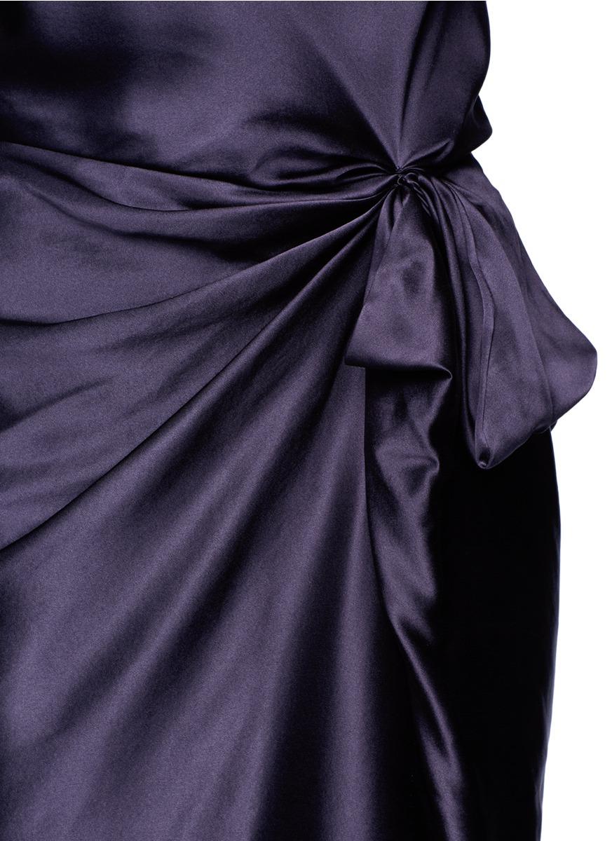 真丝褶裥连衣裙