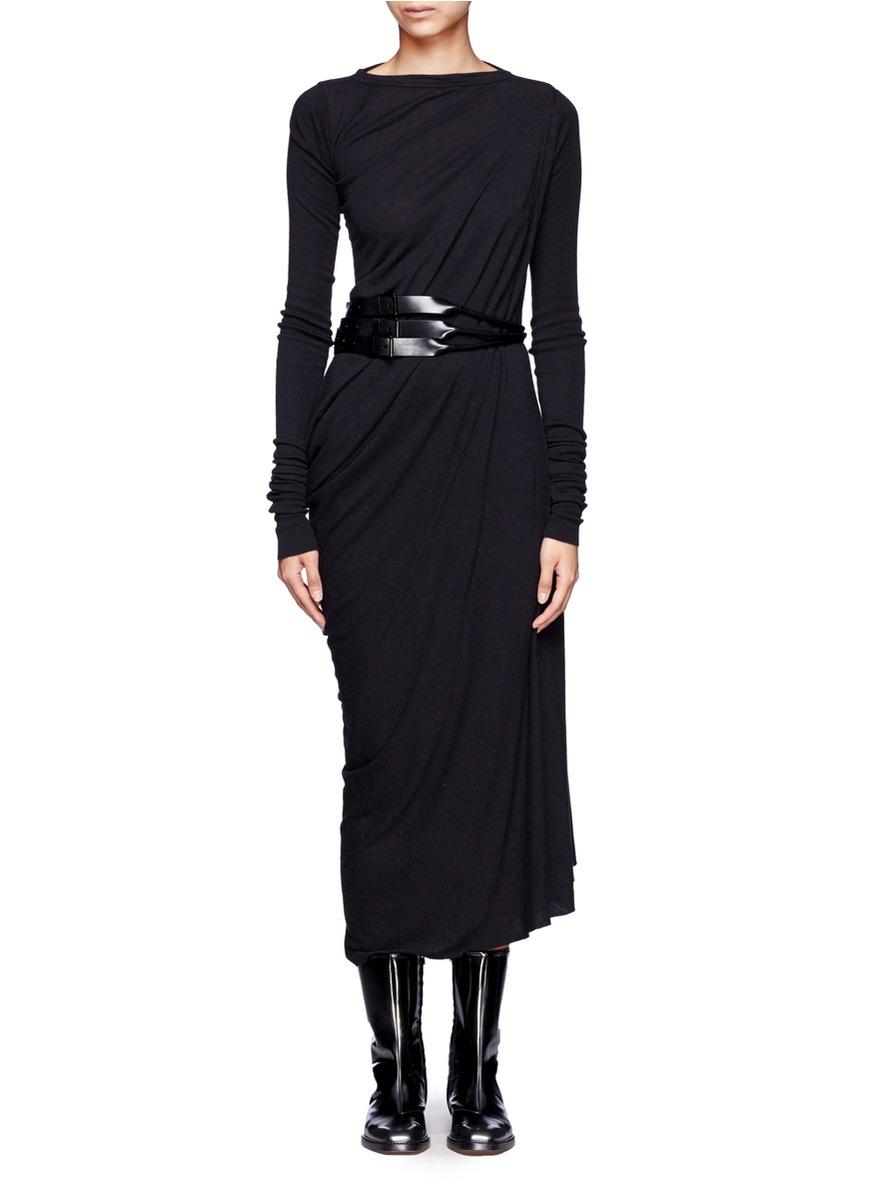 垂褶长连衣裙