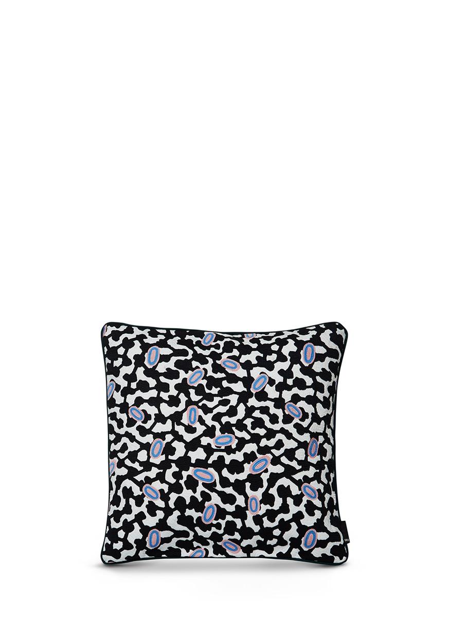 grey matter花纹刺绣方形靠垫