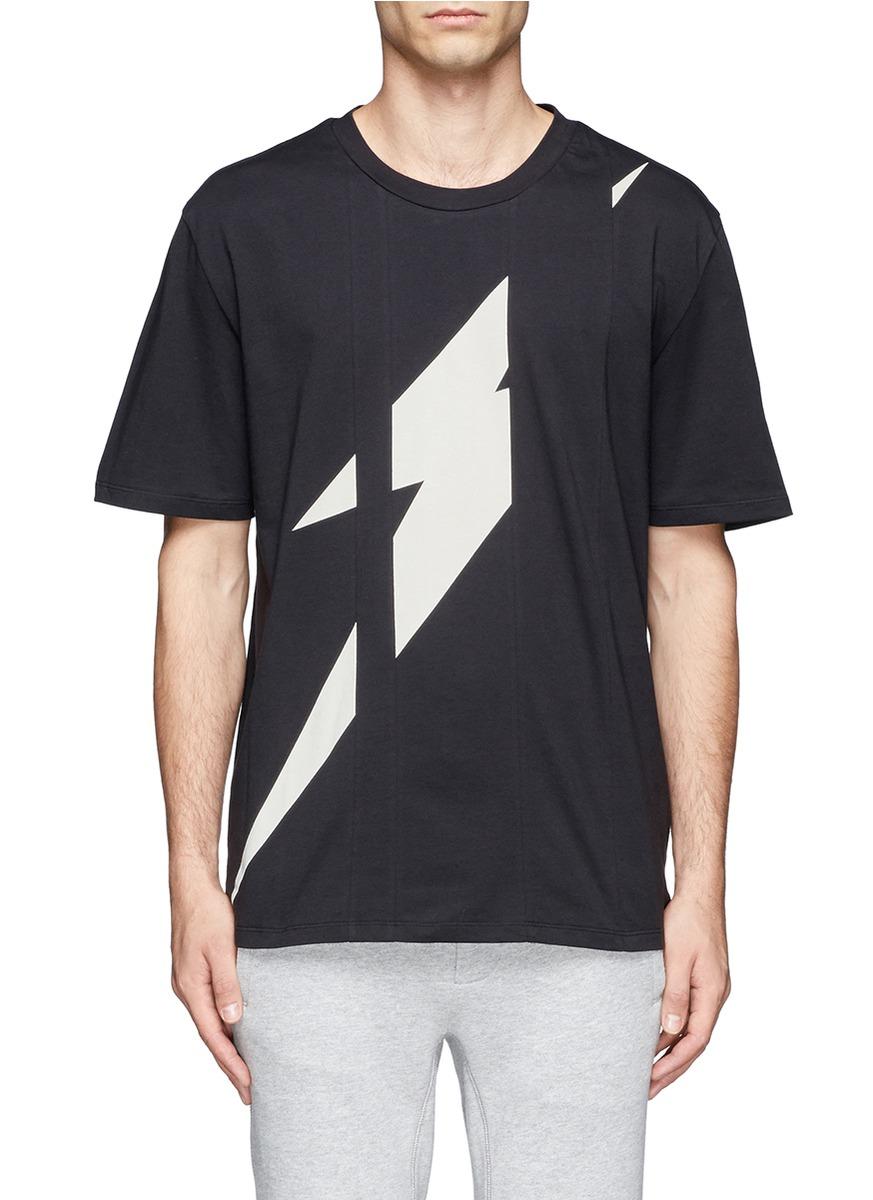 闪电图案纯棉t恤