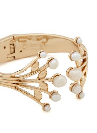 细节 - 点击放大 - LULU FROST - ALESIA枝叶造型淡水珍珠手镯