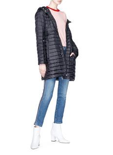 Moncler Barbel系带设计绗缝羽绒大衣