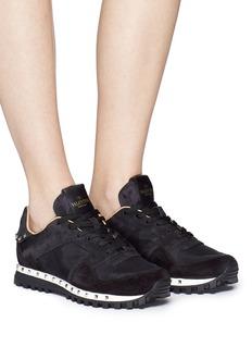 Valentino 金属铆钉绒面真皮运动鞋