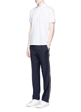模特儿示范图 - 点击放大 - VALENTINO - 铆钉装饰纯棉POLO衫