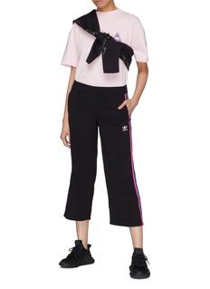 ADIDAS 三色条纹露踝休闲裤