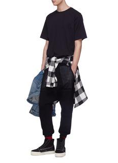 BEN TAVERNITI UNRAVEL PROJECT 拼接设计英文标语低裆休闲裤