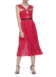 SELF-PORTRAIT 镂空设计荷叶边波点褶裥连衣裙