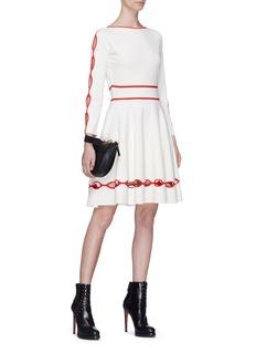 Alexander McQueen 条纹镂空连衣裙