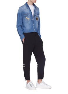 Alexander McQueen 闪亮骷髅头及蜻蜓徽章牛仔衬衫