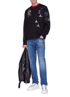 Valentino 珠饰蜻蜓水洗牛仔裤