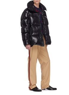 Calvin Klein 205W39NYC 大翻领oversize绗缝斗篷式羽绒夹克