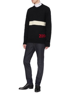 Calvin Klein 205W39NYC 品牌名称刺绣条纹羊毛针织衫