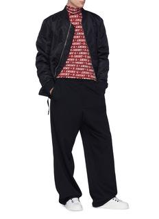 BALENCIAGA T-SHIRT英文字立领条纹上衣
