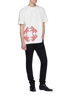 Calvin Klein 205W39NYC 几何印花布饰拼贴纯棉T恤