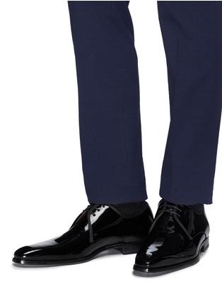 模特儿示范图 - 点击放大 - MAGNANNI - 系带漆皮德比鞋