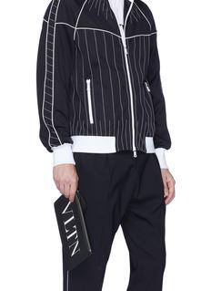 Valentino VLTN品牌名称小牛皮手拿包