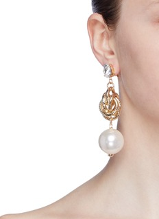 ANTON HEUNIS 人造珍珠及仿水晶扭结吊坠耳环