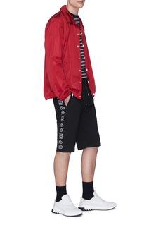 MCQ ALEXANDER MCQUEEN 哥特式logo刺绣徽章纯棉短裤