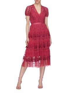 NEEDLE & THREAD 花卉刺绣层叠薄纱V领连衣裙