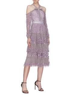 NEEDLE & THREAD Primrose花卉刺绣天鹅绒系带挖肩蛋糕裙