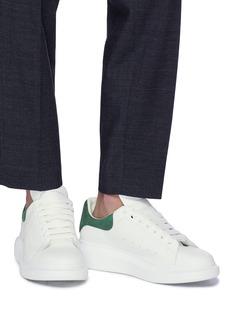 Alexander McQueen Larry oversize绒面皮拼贴真皮运动鞋