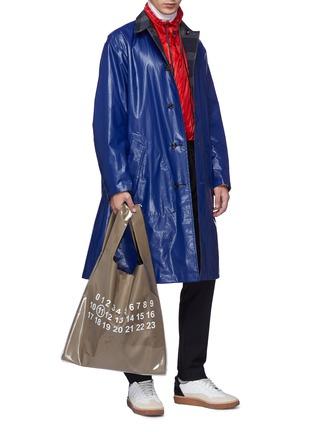 模特儿示范图 - 点击放大 - Maison Margiela - Monoprix数字点缀PVC外层小牛皮托特包