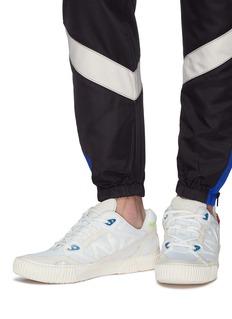 both CLASSIC RUNNER网眼布拼接真皮运动鞋