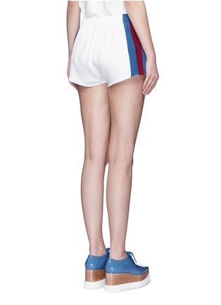 背面 - 点击放大 - STELLA MCCARTNEY - 条纹徽章绉绸休闲短裤