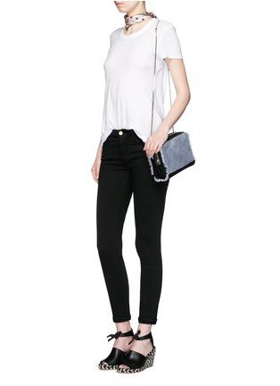 模特儿示范图 - 点击放大 - FRAME DENIM - LE COLOR修身牛仔裤