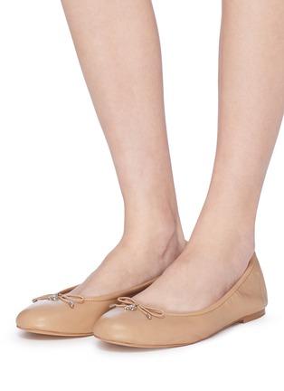 模特儿示范图 - 点击放大 - SAM EDELMAN - Felicia蝴蝶结真皮芭蕾平底鞋