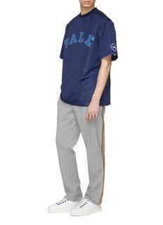 Calvin Klein 205W39NYC X YALE UNIVERSITY学校名称印花上衣