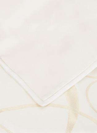 细节 –点击放大 - FRETTE - Luxury Sparkling Swirl特大双人床漩涡纹理被套-象牙白色及金色