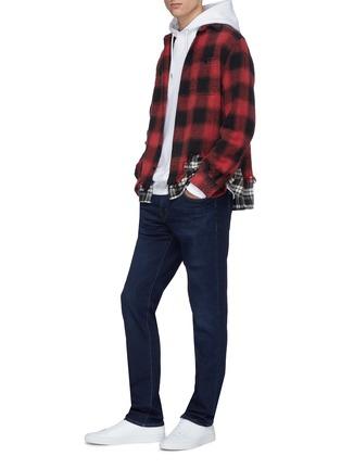 模特儿示范图 - 点击放大 - J BRAND - Kane直脚水洗牛仔裤
