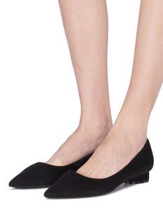 SALVATORE FERRAGAMO Badia花形粗跟绒面真皮尖头平底鞋