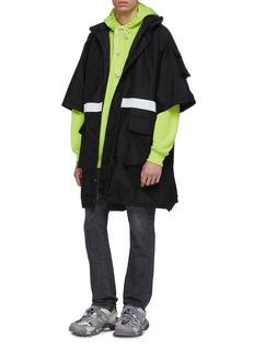 Balenciaga 可拆式衣袖反光条纹夹棉派克大衣
