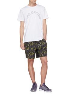 THE UPSIDE The Newman条纹品牌名称水洗纯棉T恤