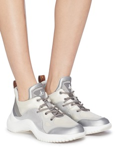 Sam Edelman Meena波浪鞋底拼接设计oversize运动鞋