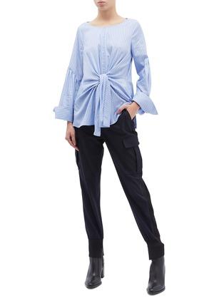 模特儿示范图 - 点击放大 - 3.1 Phillip Lim - 翻盖口袋暗条纹休闲裤