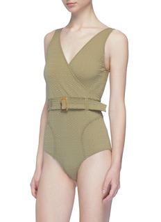 Lisa Marie Fernandez Yasmin琥珀纹方扣腰带泡泡纱连体泳衣
