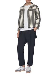KURO 翻盖后袋褶裥抽绳休闲裤