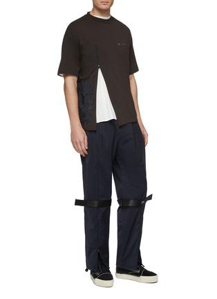 模特儿示范图 - 点击放大 - Oakley by Samuel Ross - logo罗缎布饰休闲裤