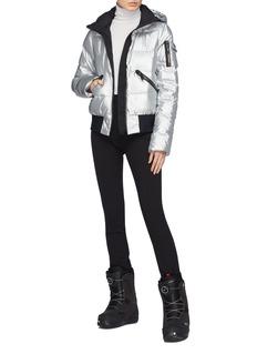 Goldbergh Diva星星兜帽绗缝羽绒功能滑雪夹克
