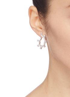 HEFANG 方晶锆石纯银古典蕾丝开口耳环