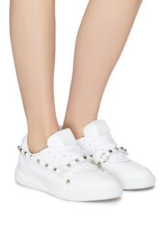 Valentino 铆钉搭带纳帕小牛皮运动鞋