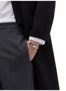 Valentino Rockstud针扣设计铆钉金属开口手镯
