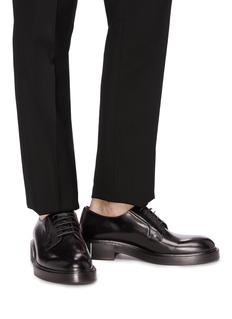 Valentino VLTN品牌名称鞋跟小牛皮德比鞋